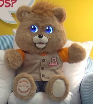 Teddy Ruxpin: Iconic '80s toy bear Returns Fall 2017