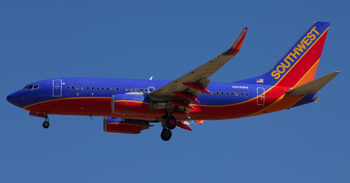 Will Warren Buffett buy Southwest Airlines?