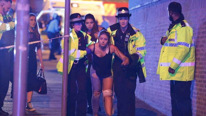 Ariana Grande Ends Tour After Manchester Attack
