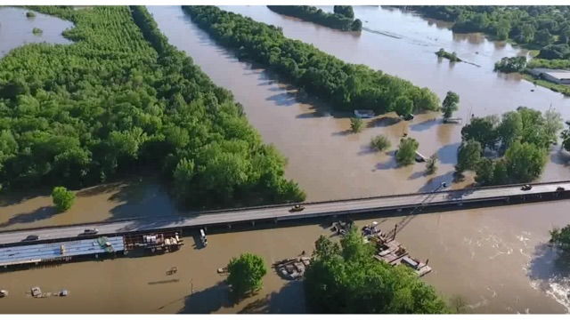 Arkansas: Levee fails as flooding threatens South, Midwest