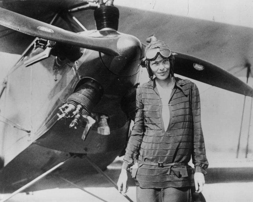 Earhart mystery could be solved by dogs? Bone-Sniffing Dogs Take Up The Hunt For Amelia