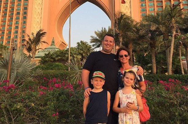 British tourist faces YEAR in Dubai jail over fake £20 note row