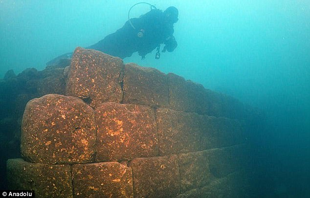 Underwater castle discovered at the bottom of biggest Lake Van in Turkey