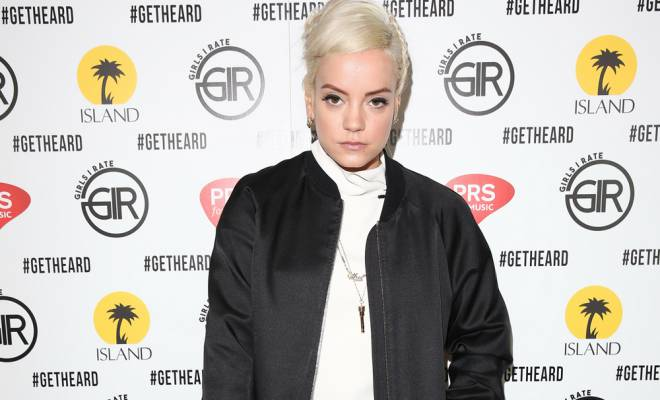 Singer Lily Allen's Christmas online shopping fail