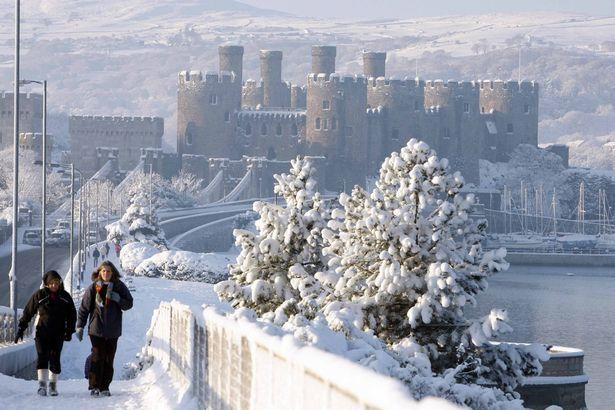 UK Snow Warnings: More snow falling as Storm Caroline grips UK