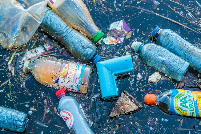 "UN seeks to tackle ""ocean Armageddon"" of plastic pollution"