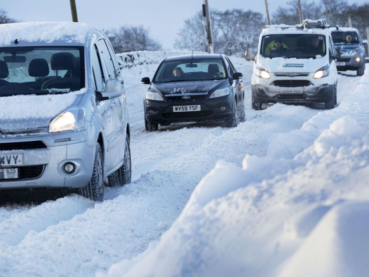 Cold blast nears UK, delaying spring warmth