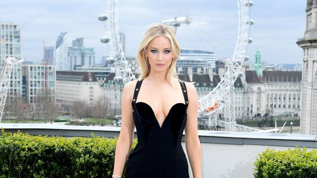 "Jennifer Lawrence hits back at ""sexist"" photocall comments (Photo)"