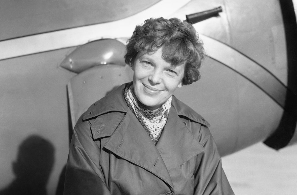 Amelia Earhart: Bones found in 1940 belong to aviator, researcher says