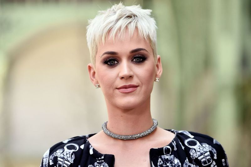 Last nun in Katy Perry's convent battle won't back down, Report
