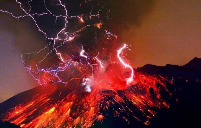 Researchers record epic sound of Volcanic Thunder for the first time