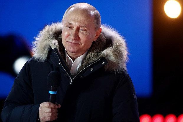 Vladimir Putin: British spy claims nonsense