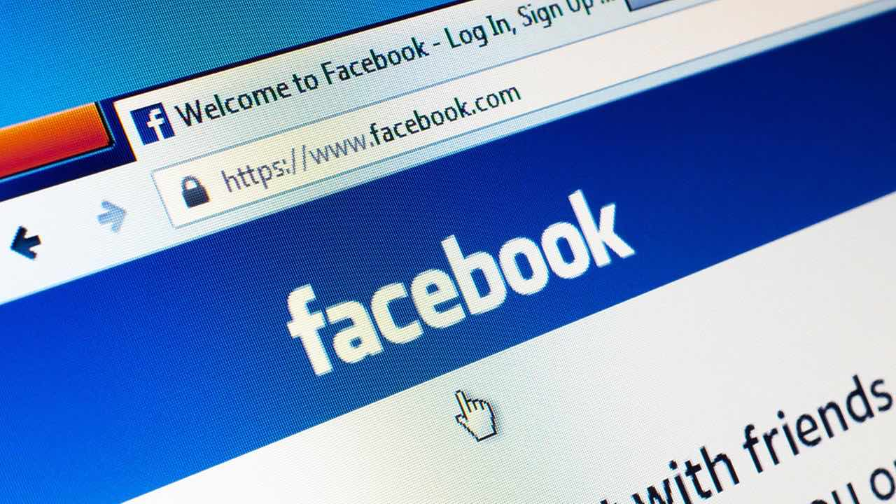 Facebook starts privacy alerts to affected users, Report