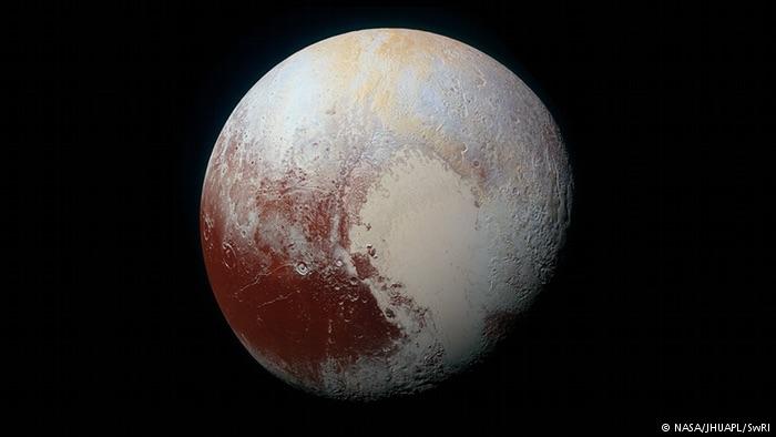 Pluto′s marvelous methane dunes surprise researchers