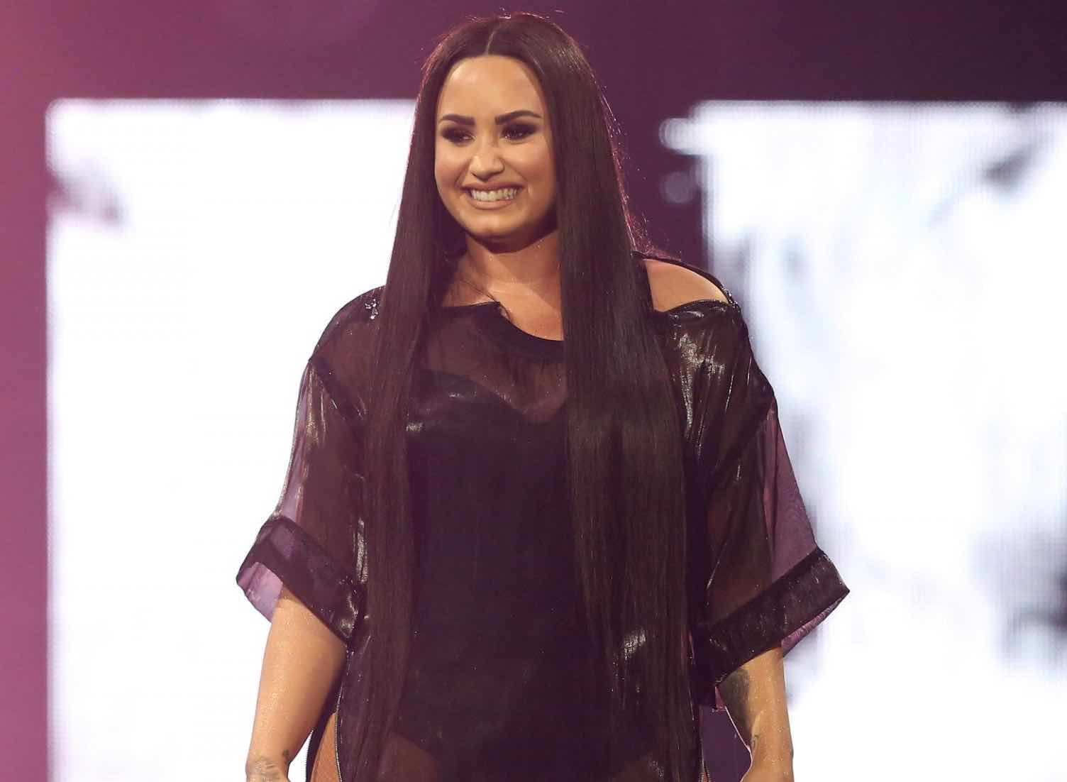 Demi Lovato's mother 'shaken' by her overdose (Watch)