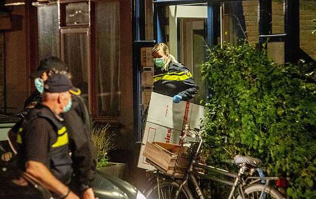 Dutch police foil 'major terror attack' in raids