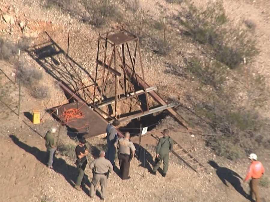Arizona mine shaft man trapped two days