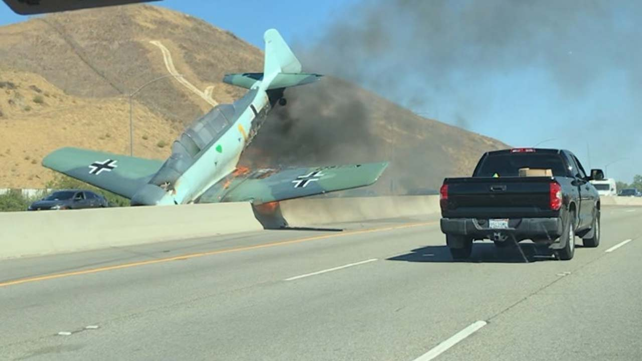 California plane crash on 101 Freeway in Agoura Hills, Report