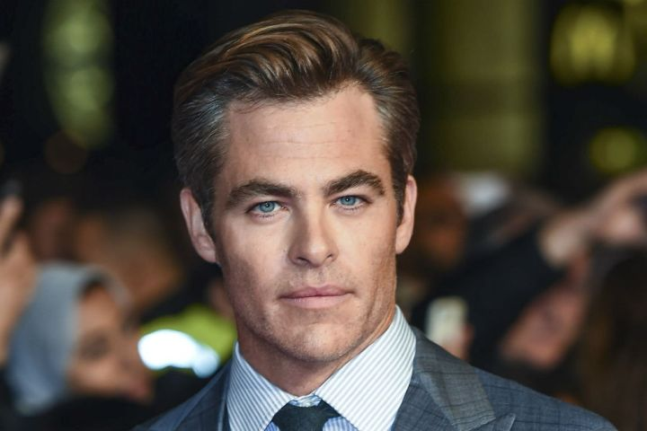 Chris Pine 'Double Standard' With His Full-Frontal Nudity, Report