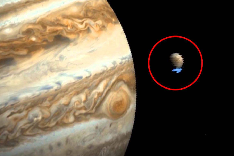 Ice shards hit Jupiter: Shards of ice 15 metres high