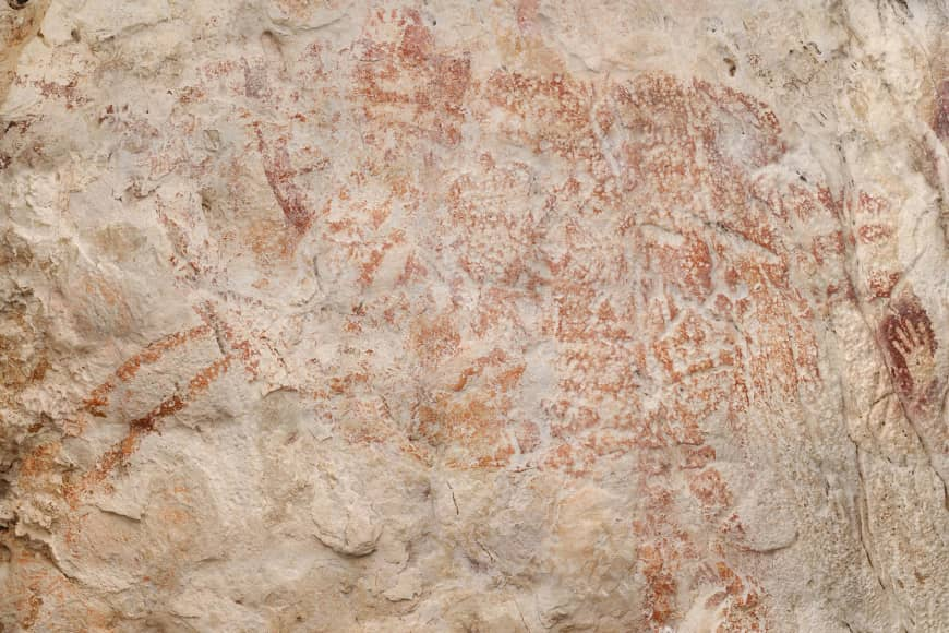 Oldest cave painting in Indonesia Dating Back 40,000 Years (Reports)