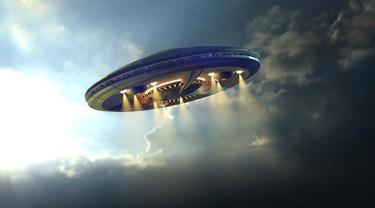 Pilots UFO spotted flying over Ireland (Reports)